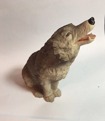 "Wolf Sitting Howling Figurine  4.5"" High ~Very Detailed  EUC"