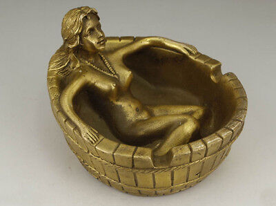 Collectable CHINESE COPPER HANDWORK CARVING BELLE BATH ASHTRAY STATUE