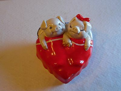 1980 Fitz & Floyd Pigs In Blanket Bed Makin Bacon Ceramic Trinket Box