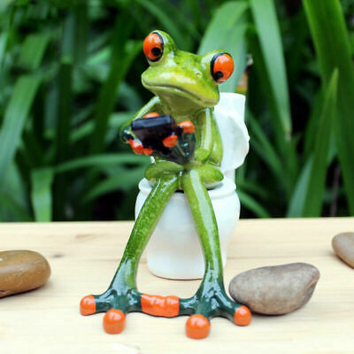 "Novelty Frog Figurines-""Frog Sitting on the Toilet Playing""Resin Sculpture Decor"