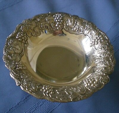 Antique Vintage Small Silver Plate Footed Bowl Nut Dish Grapes Bunches Leaves