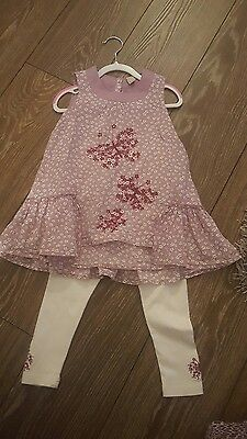 Lovely Girls Leggings And Top Set, Age 3-4 years. Summer outfit VGC