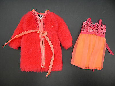 1969 vintage Mattel Barbie DREAM-INS outfit 1867 nice mod pink robe nightgown !!