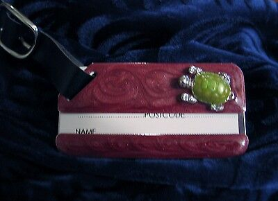 Red Enamel with Green Turtle Figurine Luggage Tag ID Accessory Black Buckle