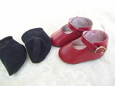 Alte Puppenkleidung Schuhe Vintage Red Lashed Shoes Socks 45 cm Doll 6 1/2 cm