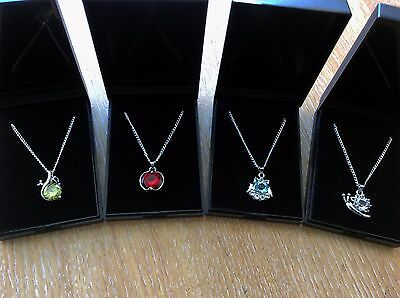 Job Lot Of 4  NEW Items Of Fashion Jewellery Gift Boxed Necklaces New 050417-07