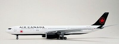 Aeroclassics Air Canada Airbus A330 New Livery C-GFAF Diecast 1/400 Jet AM Model