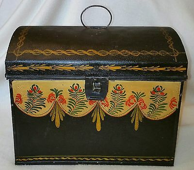 "Great c.1820-1850 American Toleware Painted Tin Box Orig. Decoration 9-3/4"" long"
