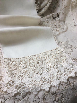 ~*Pretty Vintage French Linen & Crocheted Lace Table Runner*~