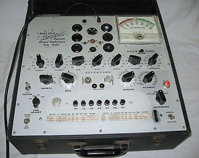 Vintage HICKOK 533A Radio Vacuum Mutual Conductance TUBE TESTER Meter