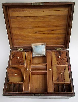 Jerusalem Olive Wood Box. End Of 19Th Century. With Inlay Pieces. Palestine.