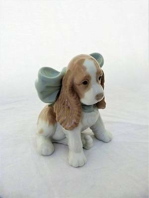 Vintage LLadro Spaniel Puppy Present with Blue Bow No. 1349
