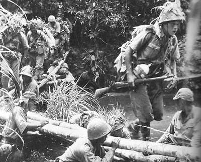 WWII Photo Japanese Soldiers in Action  New Guinea  WW2 B&W World War Two / 2258