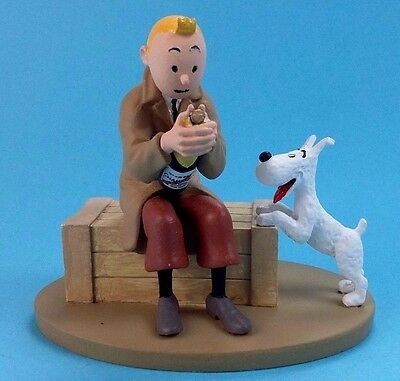 Figurine Tintin and Snowy Prisoner n°9  hand painted  in box  12 cm  collection