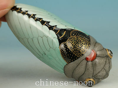 True To Life Chinese Porcelain Handmade Carved cicada Statue Snuff bottle