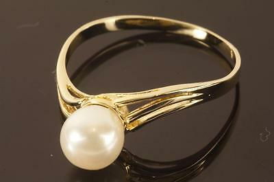 A SOLID 18ct YELLOW GOLD CULTURED PEARL SOLITAIRE RING size Q/R (US 8.5)