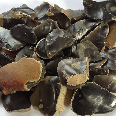 700g of FLINT TOOLS and DEBITAGE  . LATE NEOLITHIC/EARLY BRONZE AGE in date.
