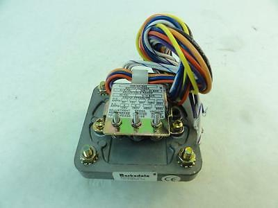 170322 New-No Box, Barksdale D3S-AA18SS Diaphragm Pressure Switch, 4A@125/250V