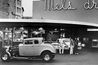 American Graffiti Classic Hot Rod Cars In Front Of Mel'S Diner 11X17 Poster