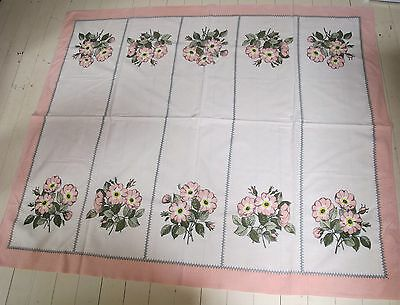 TABLE CLOTH White Pink Flowers Bouquet 1970's VINTAGE Cotton TABLECLOTH Retro ♫