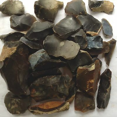 700g of FLINT TOOLS AND DEBITAGE FROM THE SAME UK FIELD.