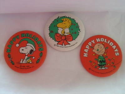 Lot of 3 Vintage Peanuts Snoopy Woodstock Pinback Buttons Christmas Xmas Rare