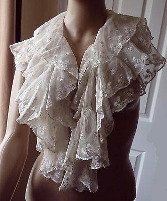 Vintage Tiered Lace Collar