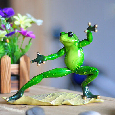 "Novelty Cute Frog Figurines--""Kongfu Green Resin Frogs"" Desk Decor Sculpture 013"