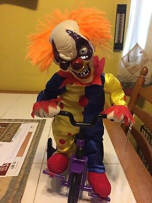 New Totally Ghoul Animated Psycho Clown Riding Tricycle Moves Talks IT Scary