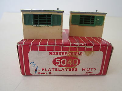 1:76 OO Hornby Dublo 5040 [37040]. 2 x Platelayer's huts in RARE red BOX for 6