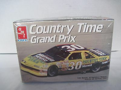 AMT Model Kit  #6732 NASCAR Michael Waltrip Country Time Grand Prix 1:25 Sealed