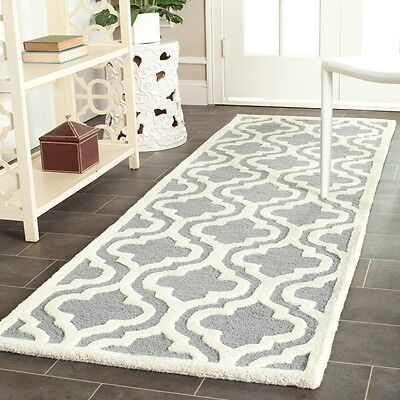 Safavieh Handmade Cambridge Silver Moroccan Pure Wool Runner Rug (2'6x12')