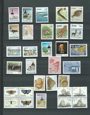 Aland 27 UMM Issues from 1988 - 1996 Cat £89+