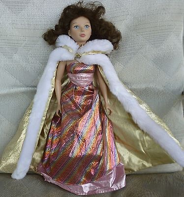 Young Lady So Beautiful 1996, Soft Vinyl, Playmates Toy Inc.brown hair/blue eyes