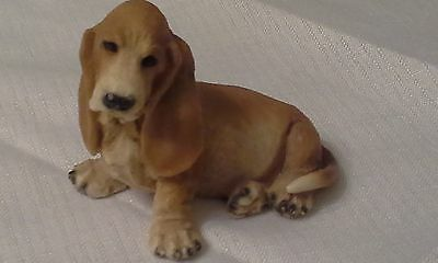 """1990 Castagna Sitting Basset Hound 2.5"""" Tall Figure Made in Italy"""
