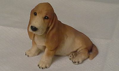"""1987? Castagna Sitting Basset Hound 3.5"""" Tall Figure Made in Italy"""