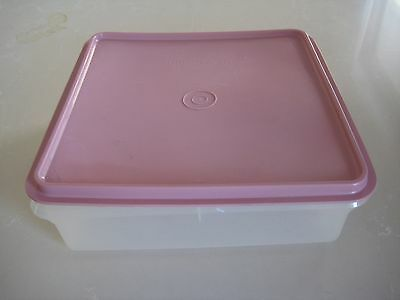 Tupperware Bake to Basics Sweet Keeper -Musk Pink Seal + Clear Base -preowned gc