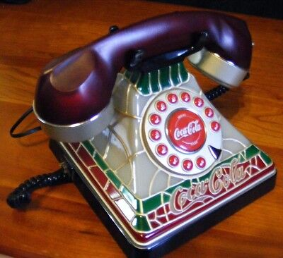 Coca Cola Tiffany Style Stained Glass Look Desk Telephone 2001 Lites Up Free Sh