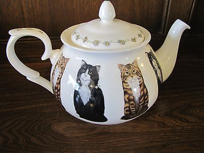 Queens for Marks and Spencer~Cats~Large Family Size 2 pint Teapot....1997