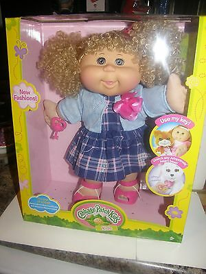 Cabbage Patch Kids        2016 collector doll