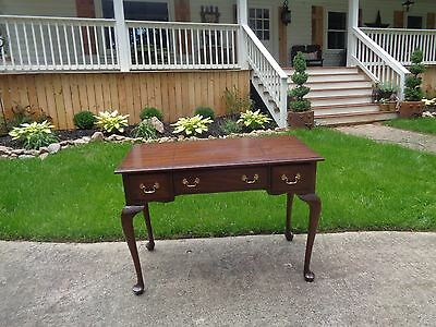 Henkel Harris Vintage Queen Anne Mahogany 2 Drawer Vanity Desk w/ Beveled Mirror