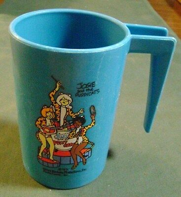 1971 Josie & The Pussycats Blue Plastic Cup W/ Handle Hanna Barbera Productions
