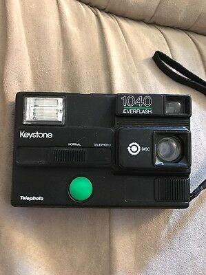 Vintage Collectible Keystone 1040 EVERFLASH Disc Camera Made in USA Black