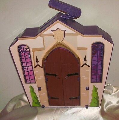 Monster High Doll Schoolhouse Fold Away Playset With 4 Dolls And Accessories