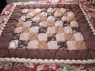 "Shades of Brown PUFF QUILT 36"" x 42"" Colorado Comfort Company - w/Hangers"