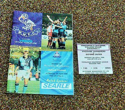 FOOTBALL PROGRAMME- WYCOMBE v OXFORD (Division Two- 8th April 1996)