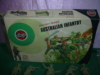 Airfix Toy Soldiers '70 1/32 England Australian Infantry Military Series W/box