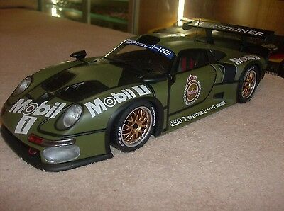 PORSCHE 911 GT1 Test Car´96 39627  1:18 UT MODELS