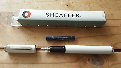 Collectable Sheaffer Award White Fountain Pen With Box And Ink.