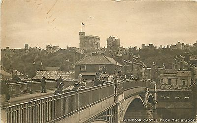 s08699 From the Bridge, Windsor Castle, Berkshire, England postcard unposted